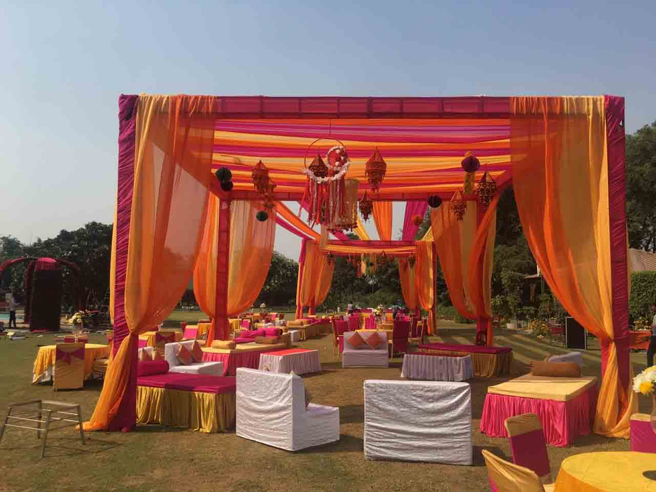 Find the best place to host your party in Gurgaon
